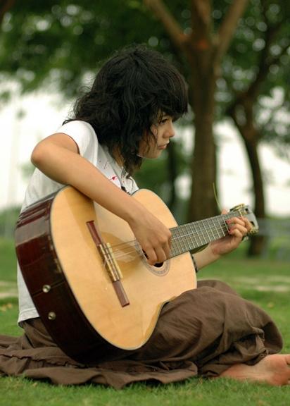 guitar pic (5)