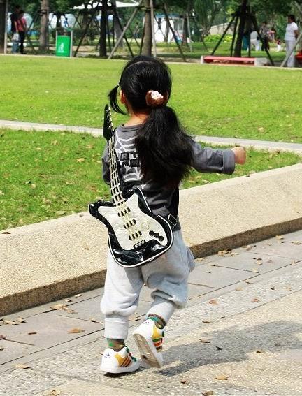 guitar pic (6)