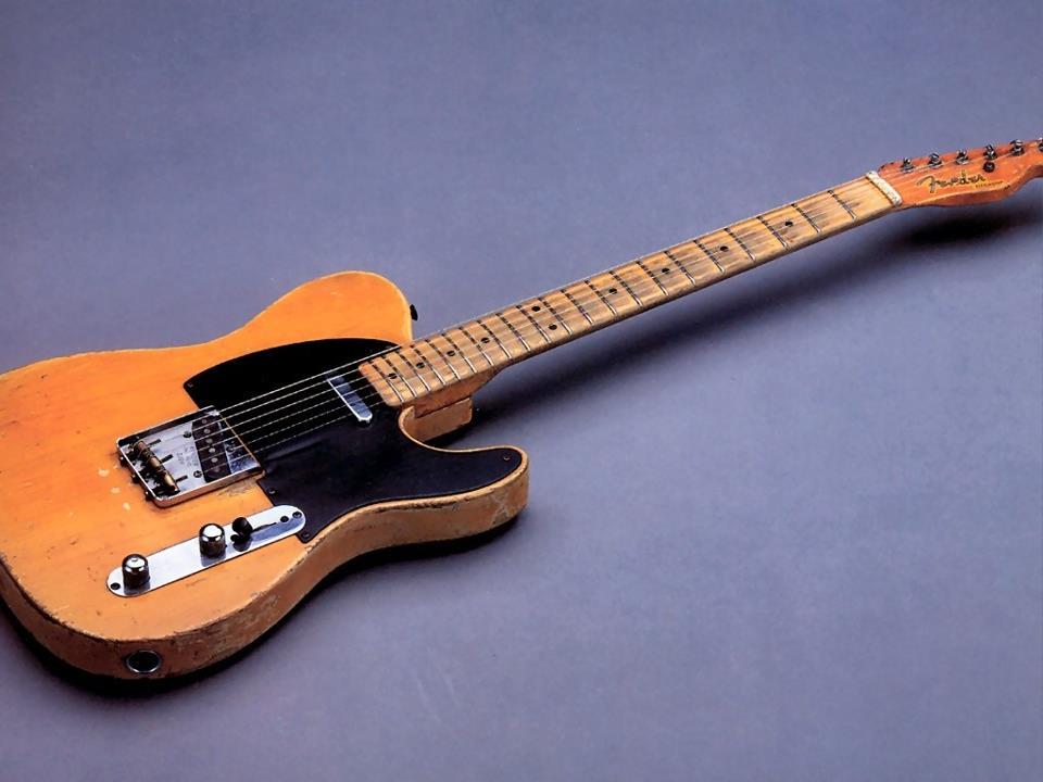hinh anh guitar doc dao (1)
