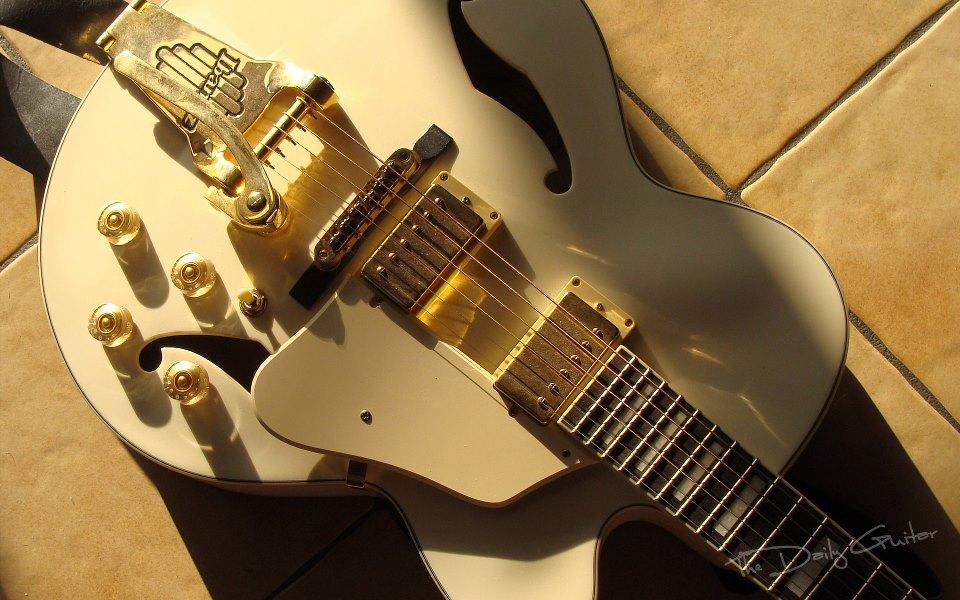 hinh anh guitar doc dao (33)