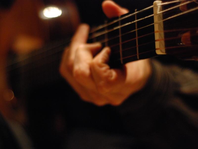 hinh anh guitar doc dao (34)