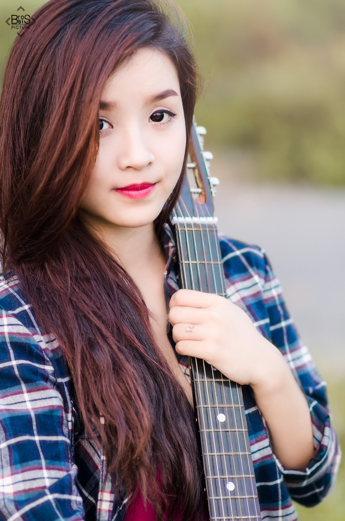 xach guitar len va di (4)